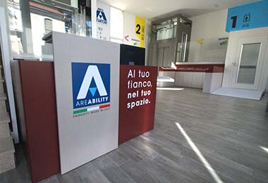 Ingresso Showroom Areability per montascale e servoscale